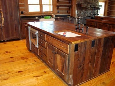 Kitchen Cabinet Wood on These Rustic Kitchen Cabinet Also Feature Natural Wood Counters And