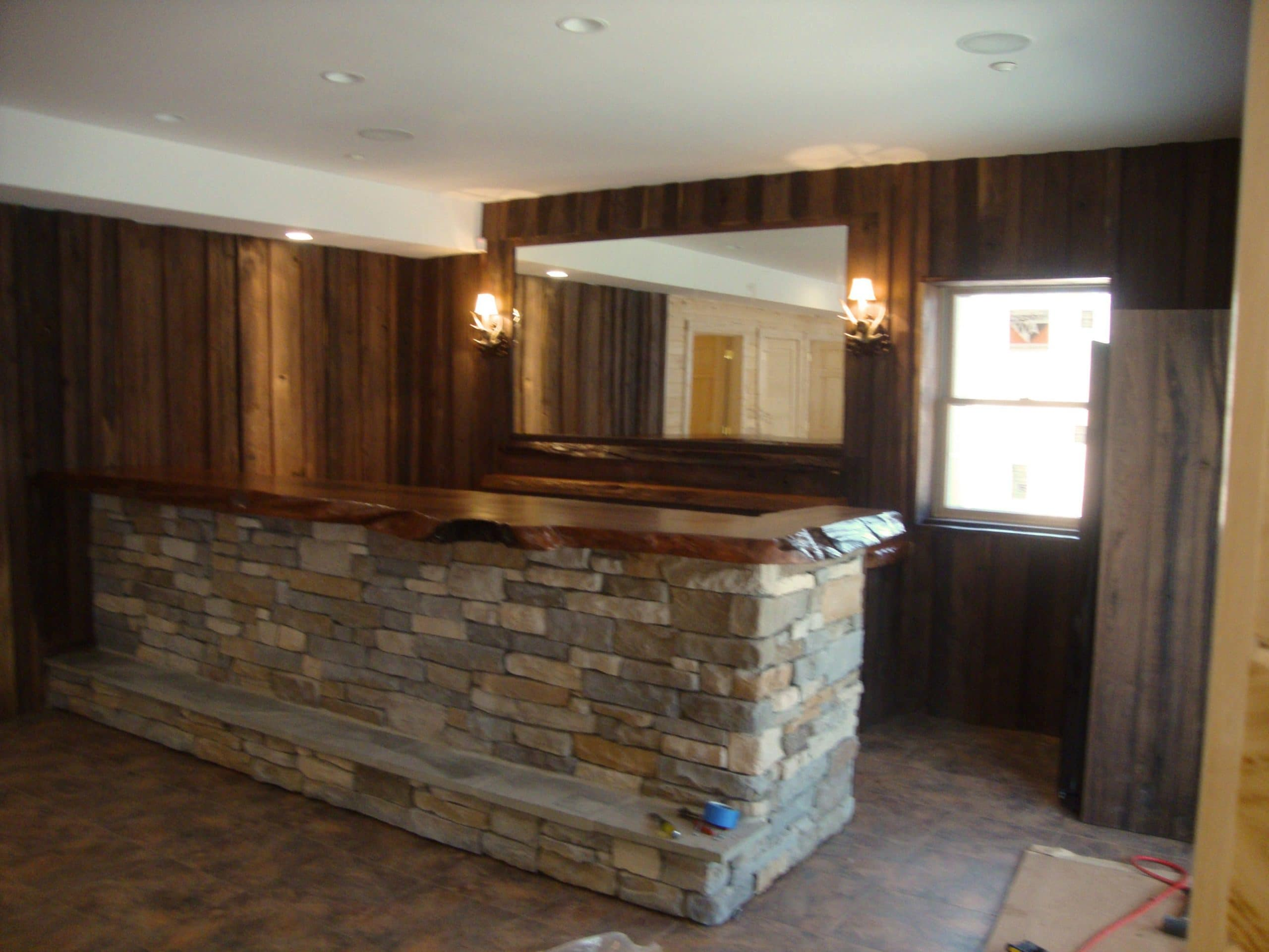 Rustic Wood Bar Tops http://littlebranchfarm.com/rustic-bar-tables/custom-wet-bars/