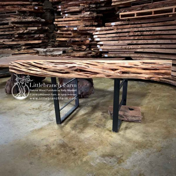 Twisted log mantel
